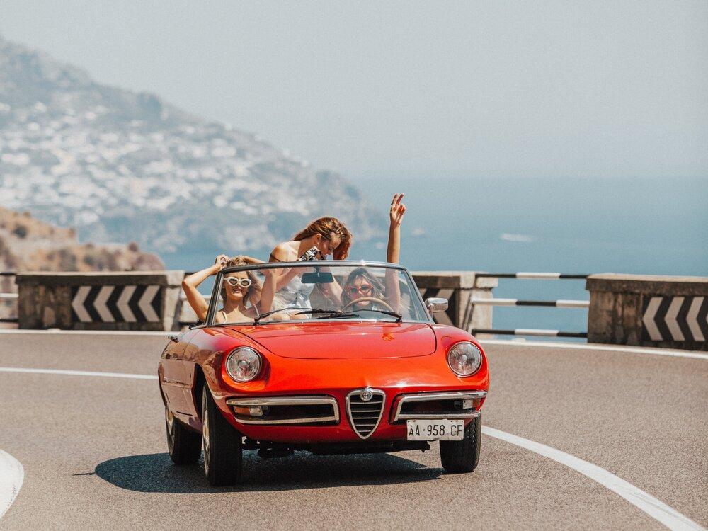 Alfa-Friends-Roadtrip-Fun