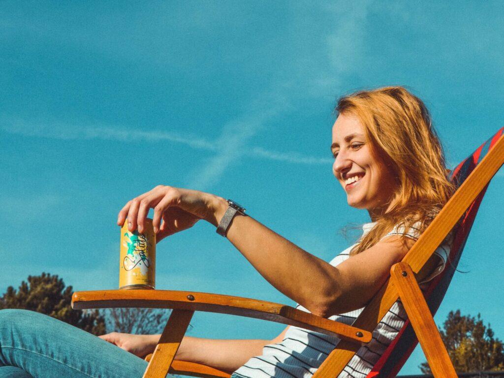 Salute-Sparkeling-white-girl-drinking-wine